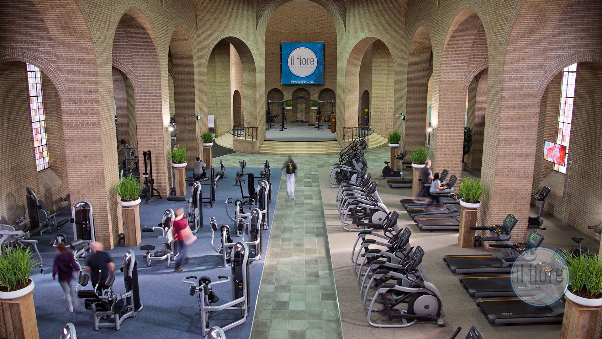 il fiore gym inside a church