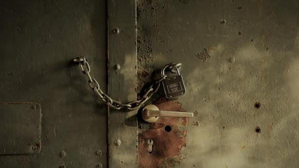 Perfect Gym customer centric payments rusty door with chain locked